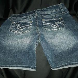 Wallflower jean shorts. NWOT